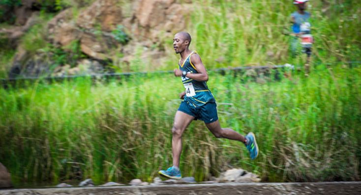 Sesipi, Scheffer defend Buffelspoort Trail Titles . www.time-to-run.co.za/trail