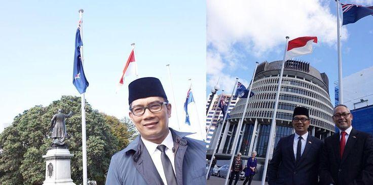 """Walikota Bandung Ridwan Kamil meminta tolong kepada dua orang yang baik hati sebagai """"Duta Besar Bandung"""" untuk dapat membantu Kota Bandung yang memiliki"""