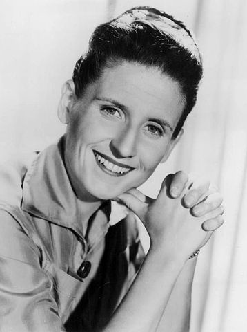 Ann B. Davis played Alice on the Brady Bunch