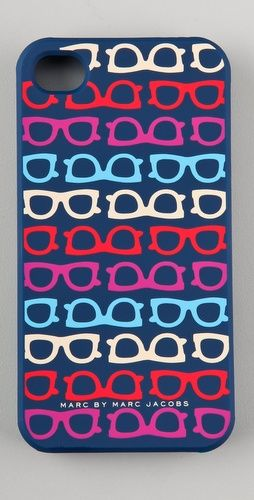 Perfect for girls who wear glasses! love this fun phone case by @MarcJacobsIntl