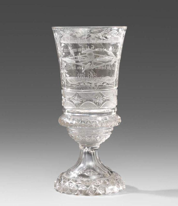Pokal, Böhmen 19.Jh. Farbloses Glas, Schliffdekor, matt geschnittene Darstellung eines Kegelspiels — Glas,Fayencen,Porzellan