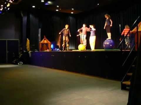 Optreden Circus op de Utrechtse Heuvelrug 16-01-2013 - YouTube