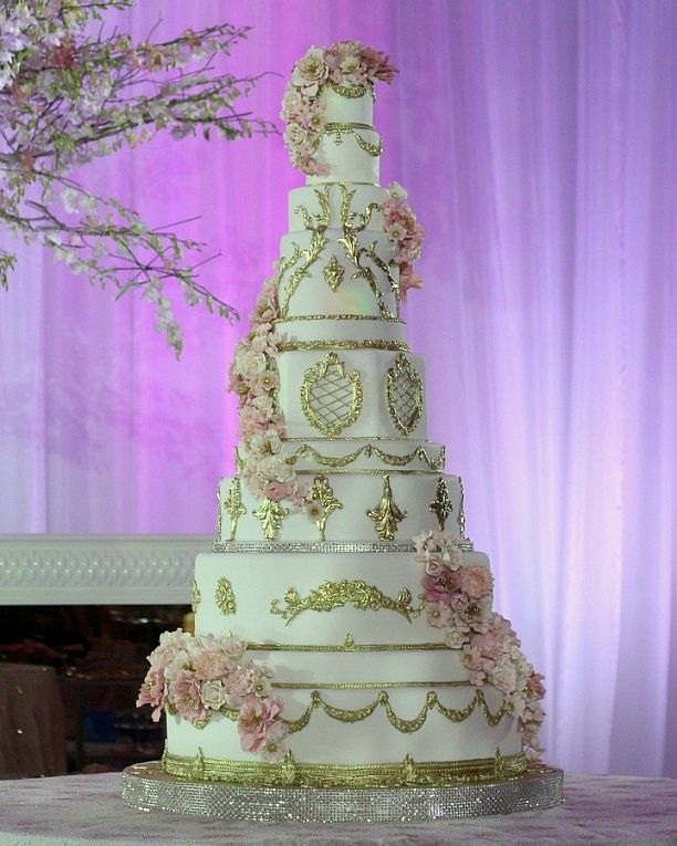 extravagant cakes 11 tier gold flowers wedding cake