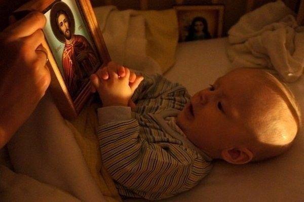 Тихо в церковь я зайду. За семью зажгу свечу. Тихо Бога попрошу: Береги их, я молю. А за себя я не прошу, да и просить не смею. Тебя, Господь, благодарю за всё, что я имею. #дети