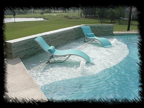 Tanning Ledge With Bubbler Water Features Beautiful