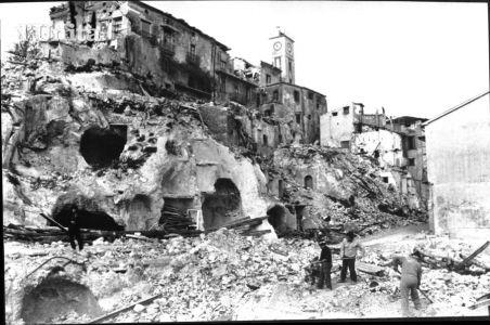 Ricordare per non dimenticare il terremoto. Erano le ore 19:34... http://www.ricordidivita.it/articolo-irpinia-23-novembre-1980-ricordando-le-vittime-del-sisma-32393.html