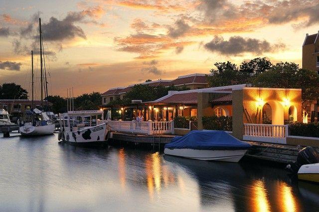 Zazu Bar At The Bistro De Paris - Hotel Zone, Bonaire
