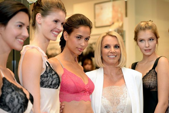 Britney Spears Photos: Britney Spears Presents Her Intimate Collection