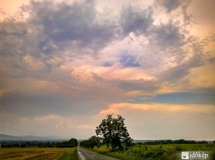 felhők vonulása