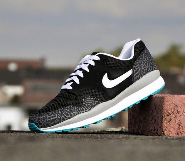 Nike Air Safari-Black-White-Cool Grey