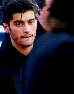 Inhale (A Zayn Malik Fanfiction AU) - In which she controls him although he holds more power than she ever could. Inha...