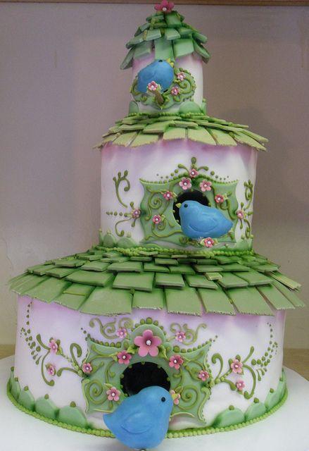 Birdhouse Cake #cake #decorativecakes #birdhouse