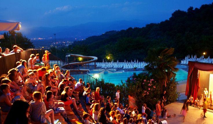 http://little----things.blogspot.com/  Norcenni Girasole Club in Figline Valdarno Tuscany by night