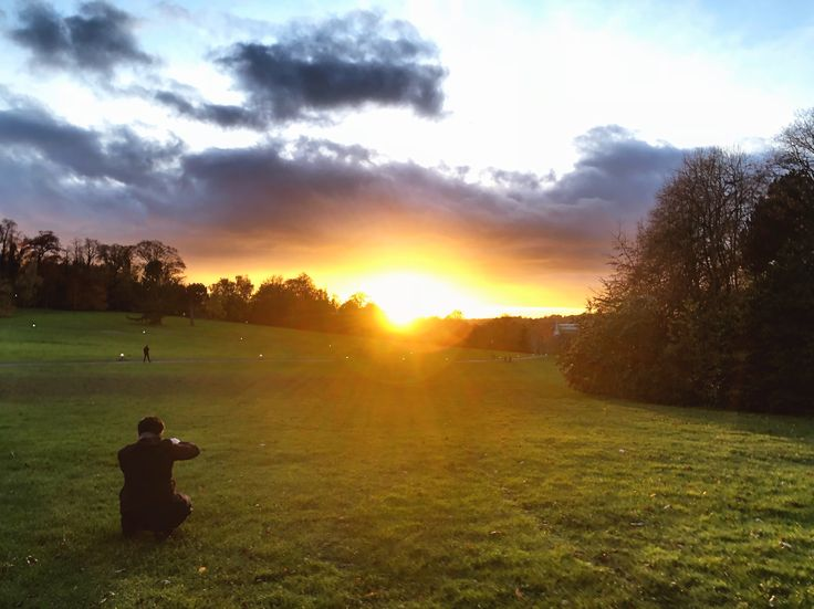 The University of Nottingham grounds are too beautiful at sunset