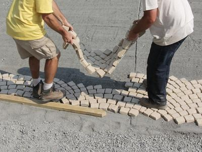 HOW TO INSTALL A PATIO WALKWAY