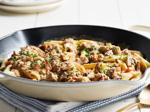 Hamburger Stroganoff Skillet Recipe Food Network Recipes Hamburger Stroganoff Beef Recipes