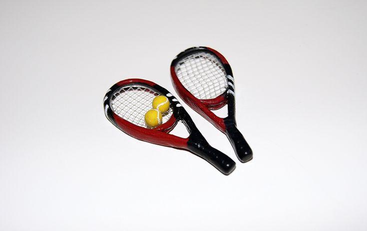 Теннисные ракетки. Миниатюра / Tennis racket miniature