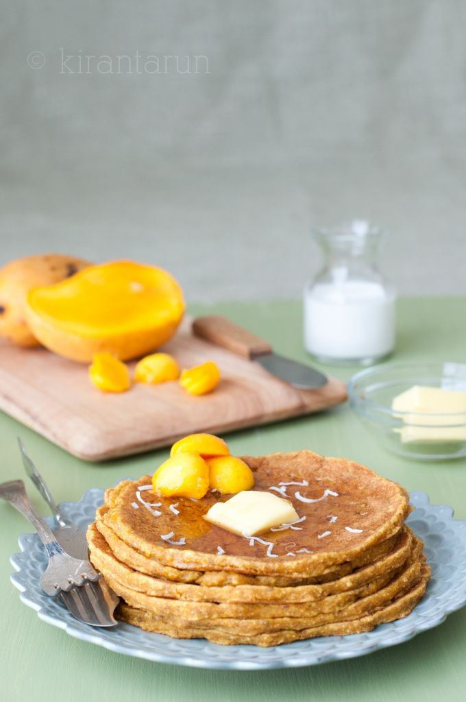 Easy, whole-wheat protein packed mango hot cakes for #breakfast or #brunch :): Hot Cakes, Packed Mango, Mango Hotcakes Pancakes, Whole Wheat Mango, Whole Wheat Protein