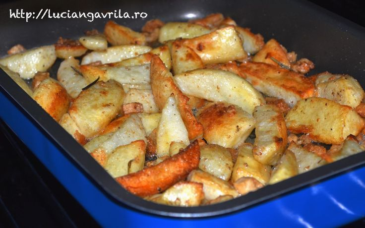 Cartofi noi cu jumări și rozmarin, la cuptor