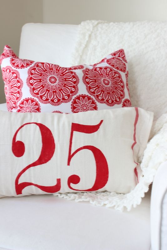 How to Stencil Pillows - Proverbs 31 Girl