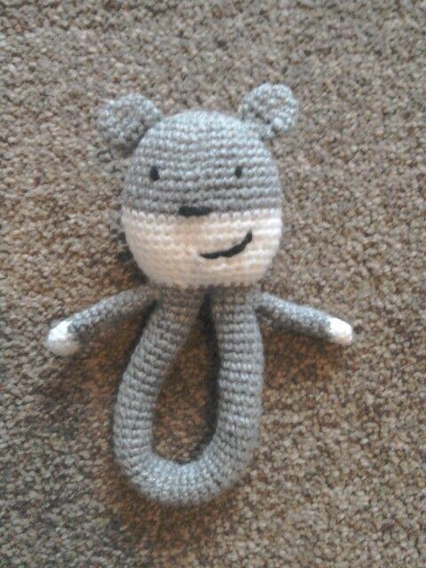 Chubby teddy rattle by aisha kenza, free pattern on Ravelry.