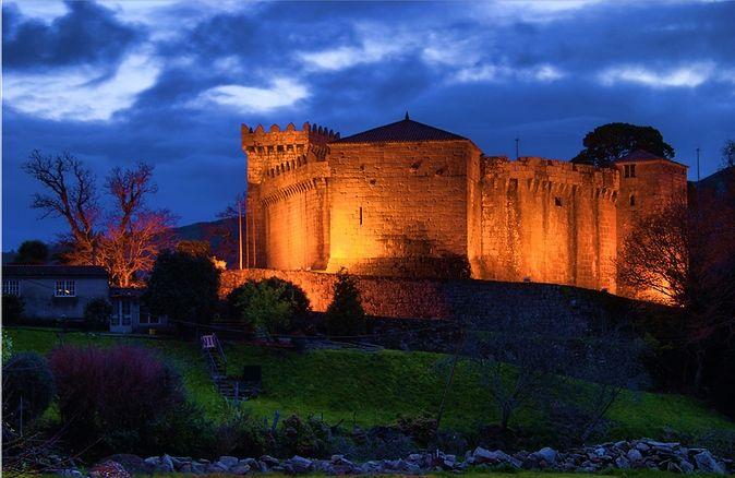 Castillo de Vimianzo en #costadamorte ... Este fin de semana Asalto o Castelo @asaltoaocastelo