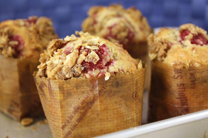 Let's Feast: Raspberry Breakfast Muffins