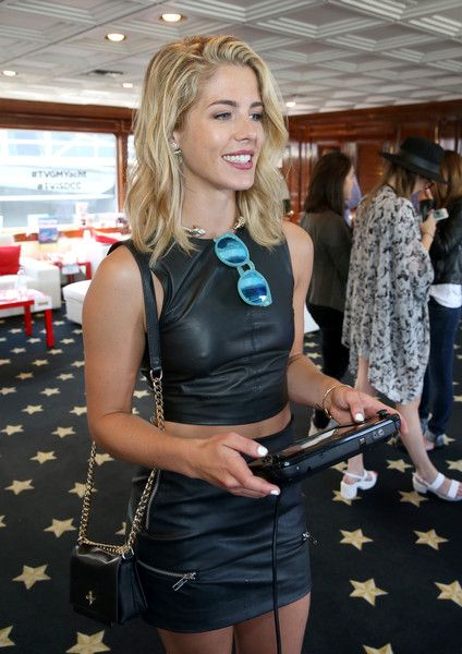 Emily Bett Rickards San Diego Comic-Con 2015 - Recherche Google