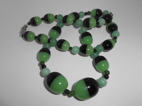 Czech Glass Beads Vaseline Glass Uranium Glass Jewelry Etsy In 2020 Vintage Jewelry Box Glass Necklace Czech Glass Beads