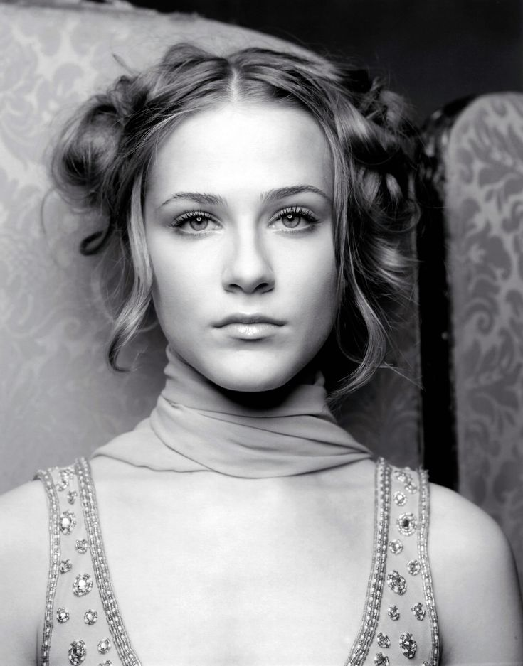 Evan Rachel Wood. I want to try recreating this image with my little sister as the subject. I just think it is so simple yet so perfect.