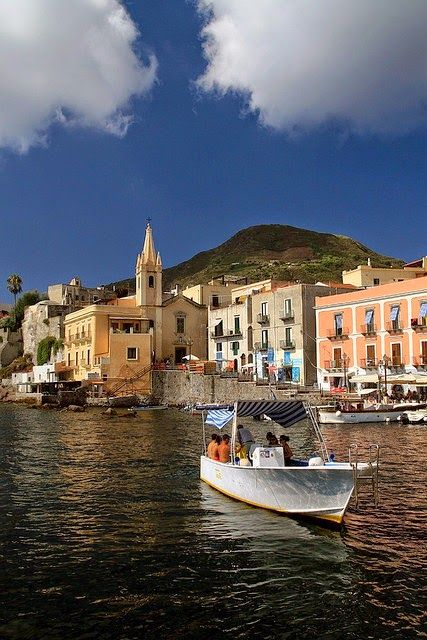 #Lipari is the largest of a chain of islands in a volcanic archipelago situated in between the Vesuvius and Etna. #BnBGenius #lifeisajourney