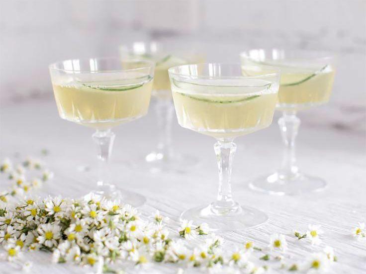 Fläder-elderflower cocktail