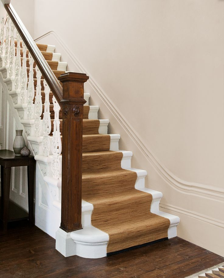 Lightest Beige from our super scrubbable Hall & Stairs range. Tough new formula stands up to the knocks and scuffs of family life and can be easily cleaned to be returned to looking freshly painted!