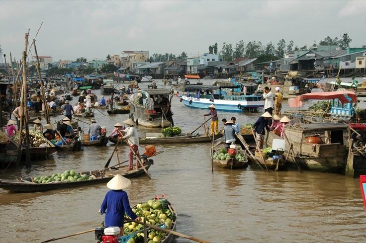 Down the Mekong river - Laos