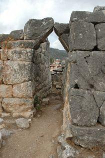 Kleine zij-ingang van de burcht van Mycene