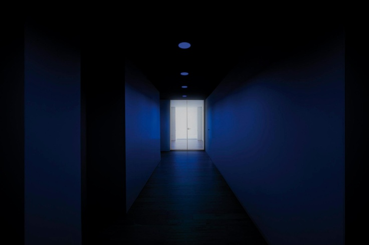 Environment of an installation with LEX Eco + BLUE, showing the faint blue light effect when the lamp is off.