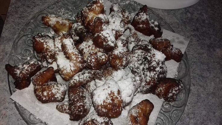 Bugnes lyonnaises, beignets de Carnaval ou de Mardi Gras