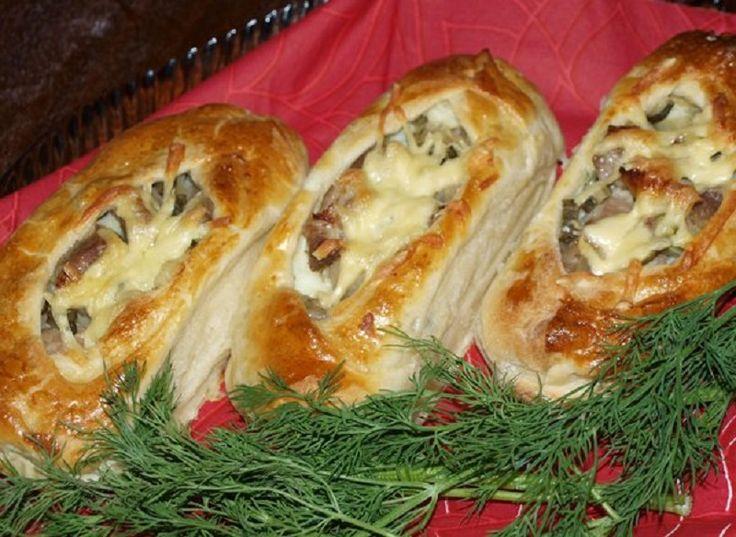 лодочки из слоеного теста с картофелем мясом и огурчиками