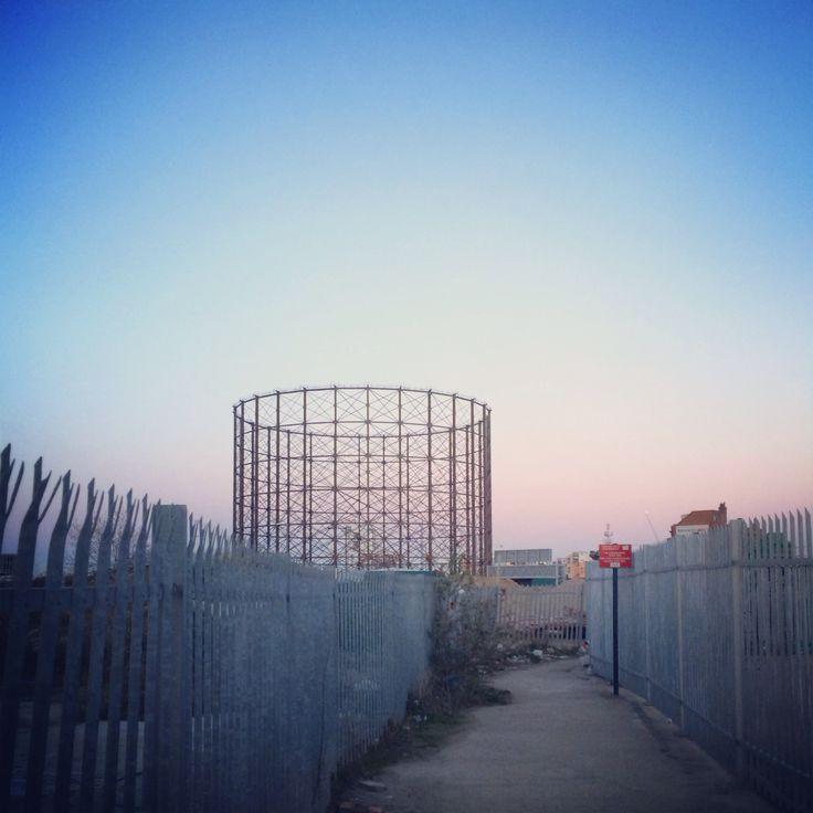 Thames path. Gas tower.