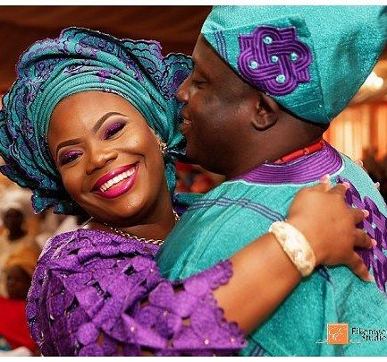 Omotolani & Abisoye lovely #traditional #wedding pictures are now online @ www.eikonworld.com #yorubawedding #lagos #lagosweddingphotographer #eikonworld #asoebibella #asoebispecial #asoebi
