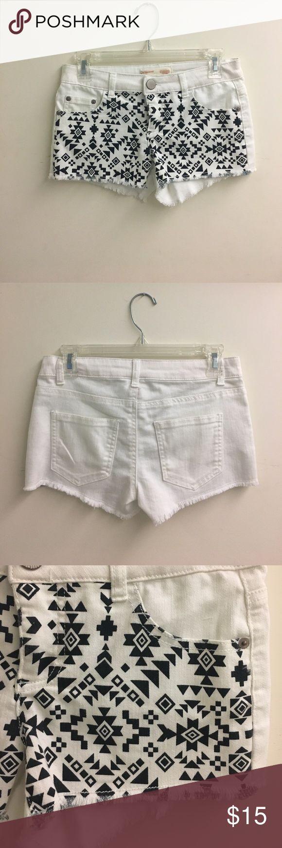 🔹CLEARANCE🔹Shorts black and white aztec shorts No Boundaries Shorts Jean Shorts