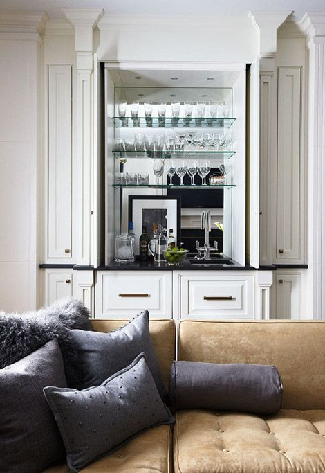 Once a closet, now a wet bar. Brilliant! Designer Bob Williams. Photo: Colleen Duffley