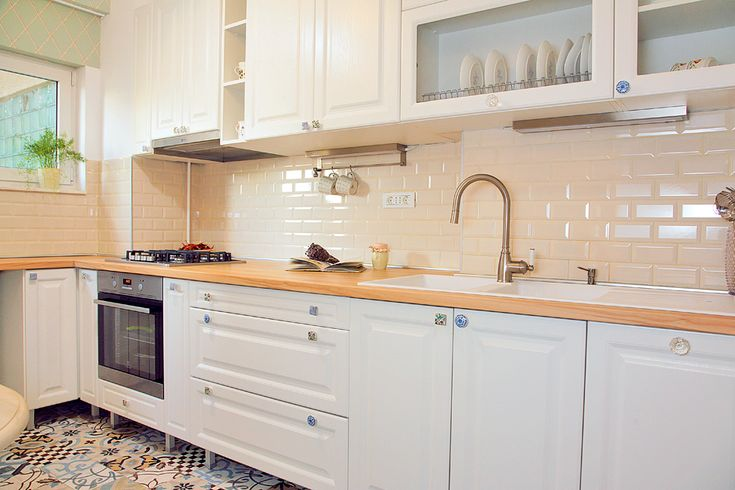 adelaparvu.com despre apartament de trei camere amenajat in stil traditional…