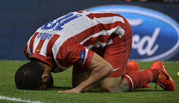 Atletico Madrid's Turan celebrates after scoring against Chelsea in Champion's League semi-final second leg soccer match in London | El día en imágenes - Yahoo Noticias