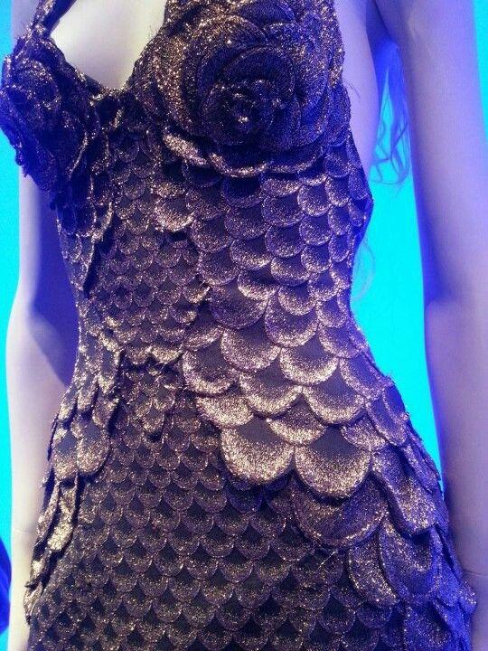 Detail Mermaid dress   Nice way to layer scales jαɢlαdy