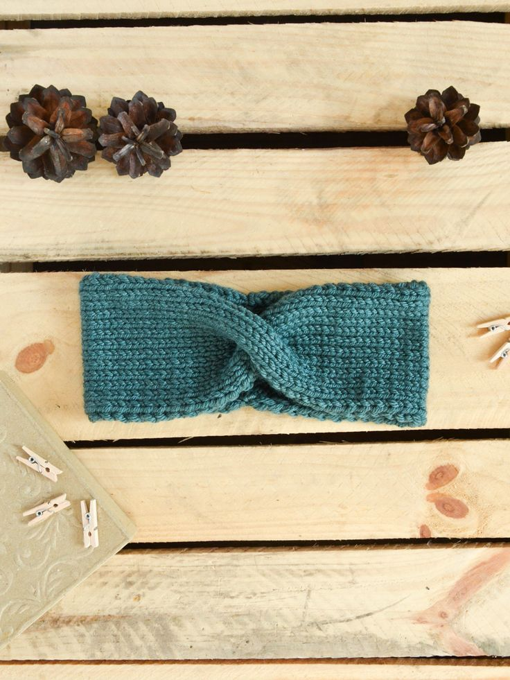 Holly - warm, soft and comfortable headband. Created with amazing merino wool inspired by belle époque times. Available on www.tenderside.com