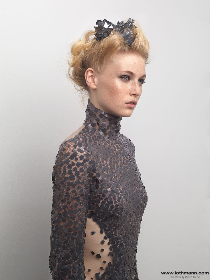 Attache et coiffure glamour by Thierry Lothmann #lothmannglamblond  http://www.lothmann.com/collection-coiffure-automne-hiver-201415-glam-blond/