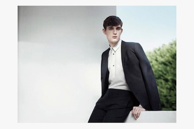 COS have released their Spring/Summer 2012 lookbook which features the usual (and very nice) offerings of super clean, monochromatic pieces that remain surprisingly well-tailored. Simplicity at its best. Take a look at the campaign shoot below.