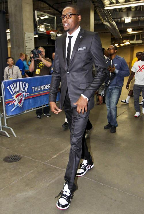 Kevin Durant in the Air Jordan 1 Phat White/Black-Red