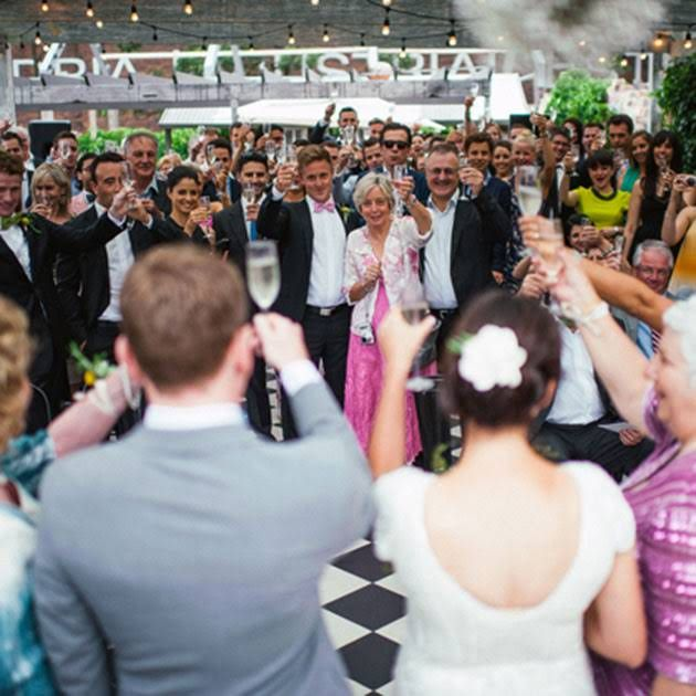 5 Modern Alternatives To The Traditional Receiving Line